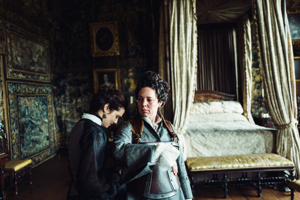 'The Favourite' Is a Rancid Curiosity That Drops The British Costume Drama on its Head