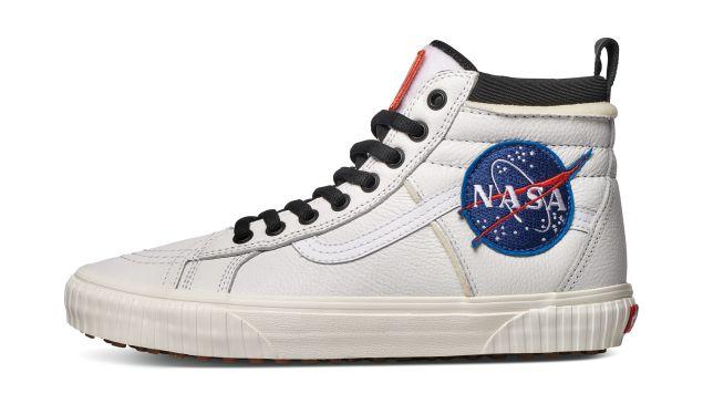 Vans X Space Voyager SK8-HI 46 MTE DX sneakers.