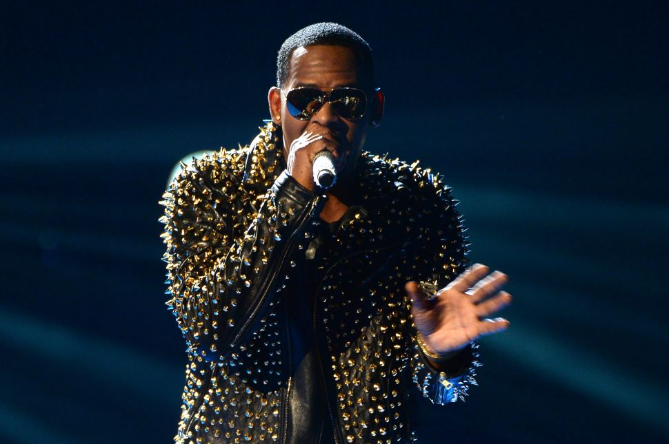 R. Kelly Is Still Desperate to Look Innocent—But His Tactics Are No Longer Working