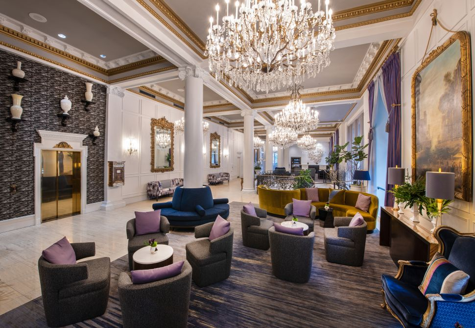 The 5 Most Festive New Orleans Hotels for Mardi Gras 2019