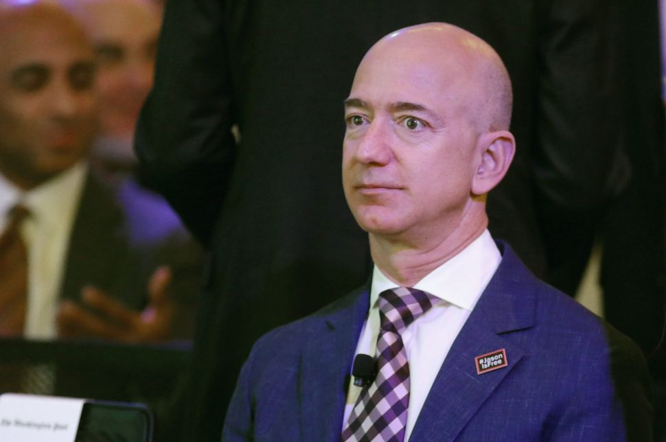 Jeff Bezos Suspects Mistress Lauren Sanchez's Brother Leaked His Sexts