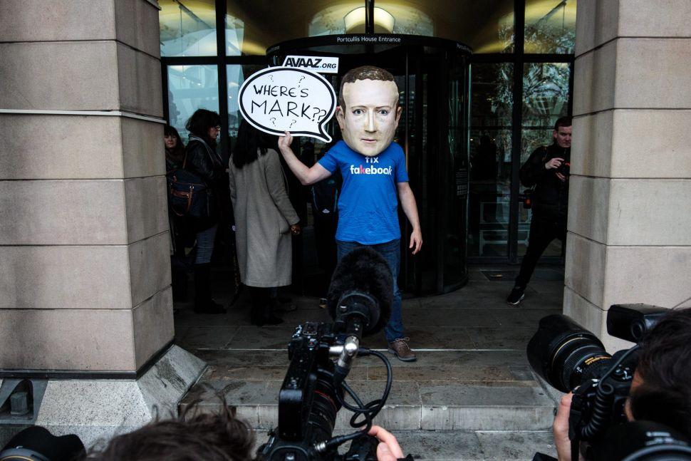 "Zuckerberg's ""Fix Facebook"" Plan Will Drive Away More Execs, Says Wall Street Analyst"