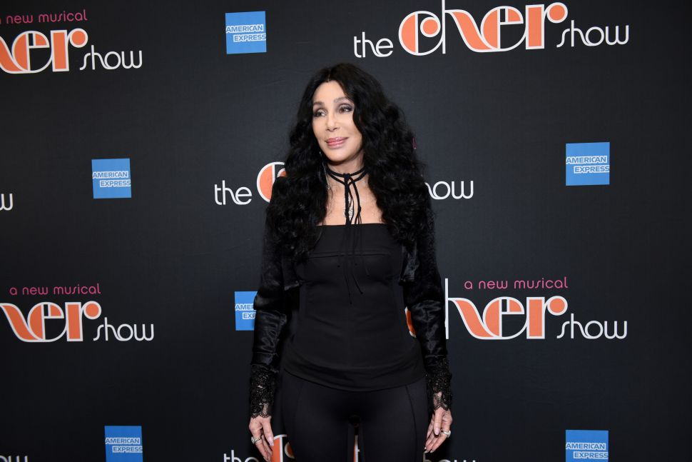 Cher Can't Act, 'Doesn't Like Men,' Says Director Peter Bogdanovich