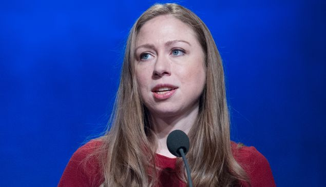 Chelsea Clinton is getting a lot of praise for standing her ground after being unfairly blamed for the New Zealand massacre of Muslims.