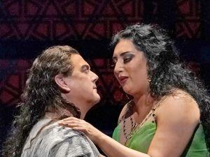 Dalila (Anita Rachvelishvili, right) turns on the charm for Samson (Gregory Kunde).
