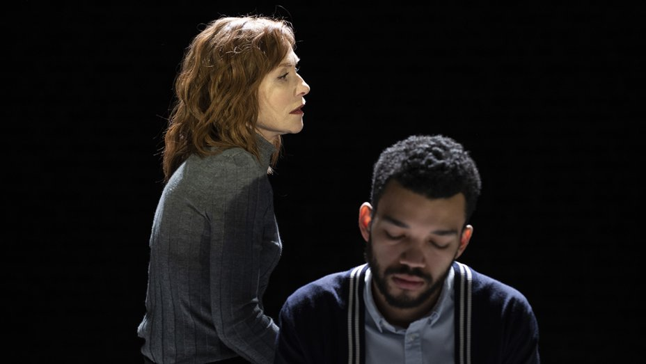 Isabelle Huppert Is a Shrieking, Toxic Pillhead in the Off-Broadway Psychodrama 'The Mother'