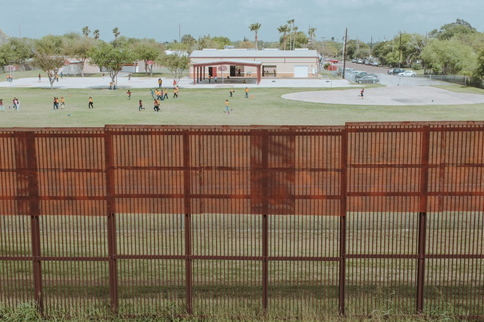 A Photo Series Shows What Life Is Like Along All 2,000 Miles of the US-Mexico Border