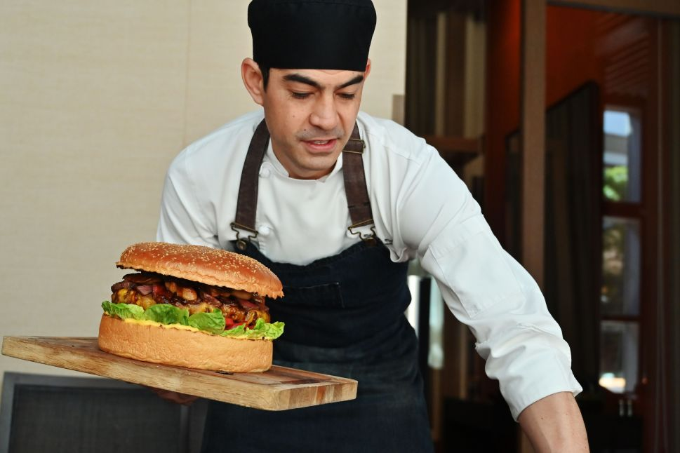 You Can Now Celebrate Japan's New Emperor With a $900 Burger