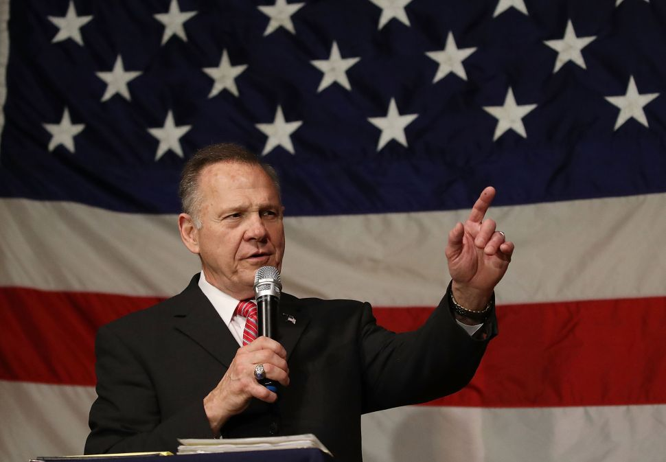 Democrats Want Alabama's Disgraced GOP Candidate Roy Moore to Run Again in 2020