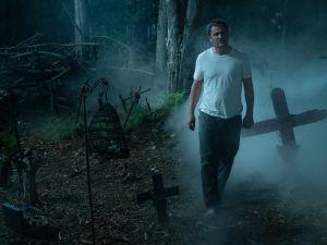 Jason Clarke in Pet Sematary.