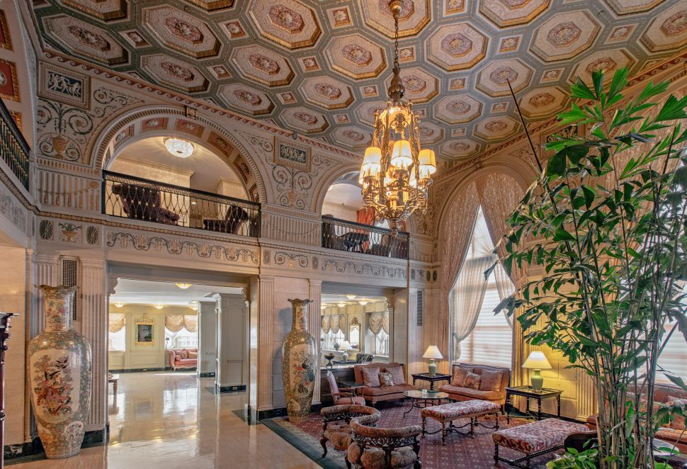 From 21c to the Muhammad Ali Suite, Where to Stay for This Year's Kentucky Derby