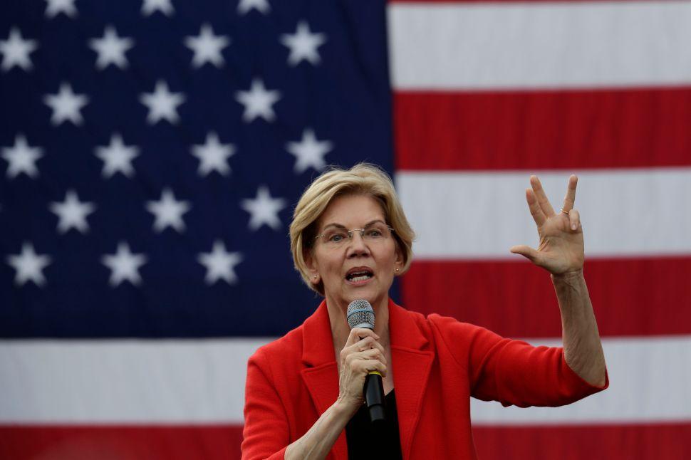 Elizabeth Warren Wants to Appoint DOJ Staff Who Will Indict a President