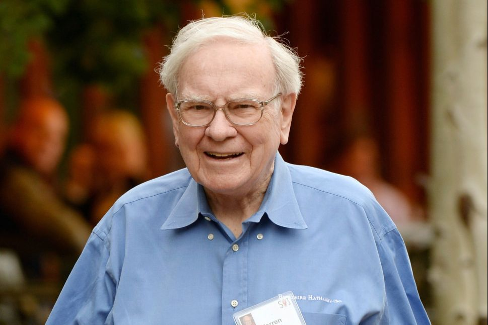 A Warren Buffett Fan Is Ready to Pay $4 Million for a Lunch With Him
