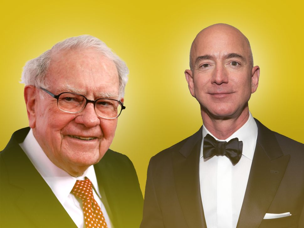 'Tech-Averse' Warren Buffett Has Finally Decided on His Second FAANG Bet
