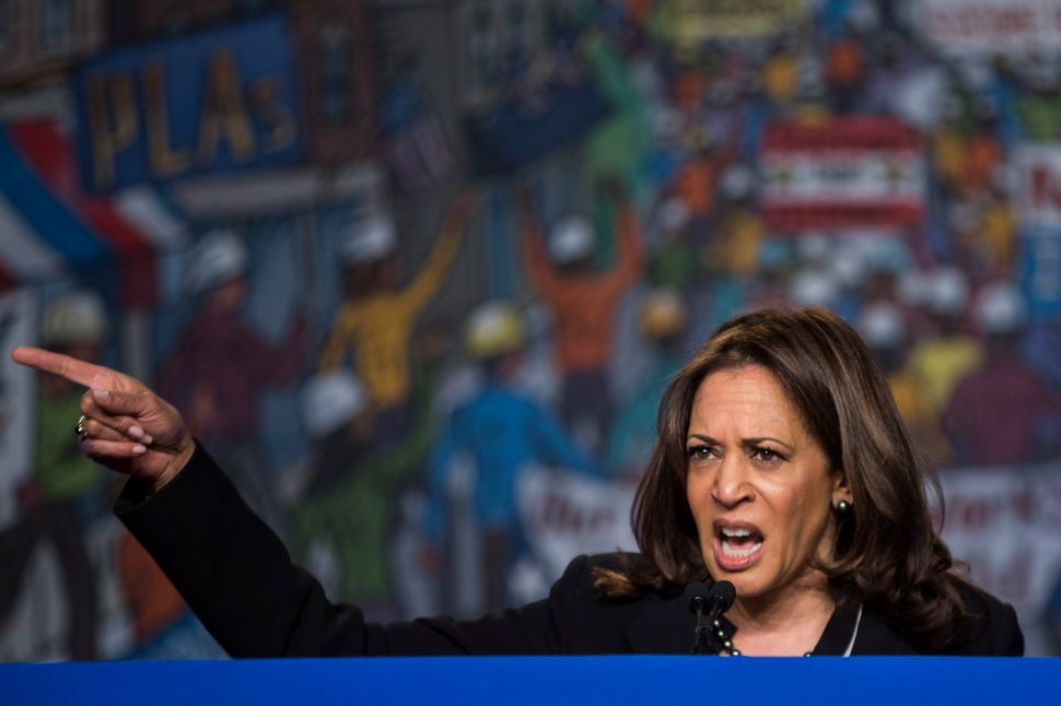 Kamala Harris Joins Elizabeth Warren in Threatening to Prosecute Trump