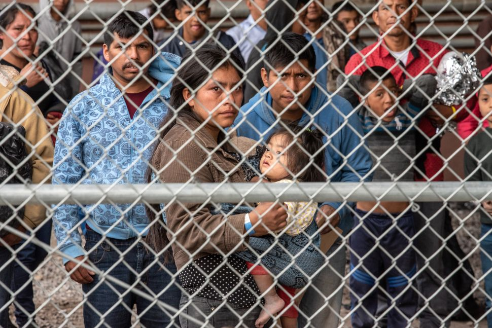 Doctor Describes Immigrant Detention Centers at US-Mexico Border as 'Torture Facilities'