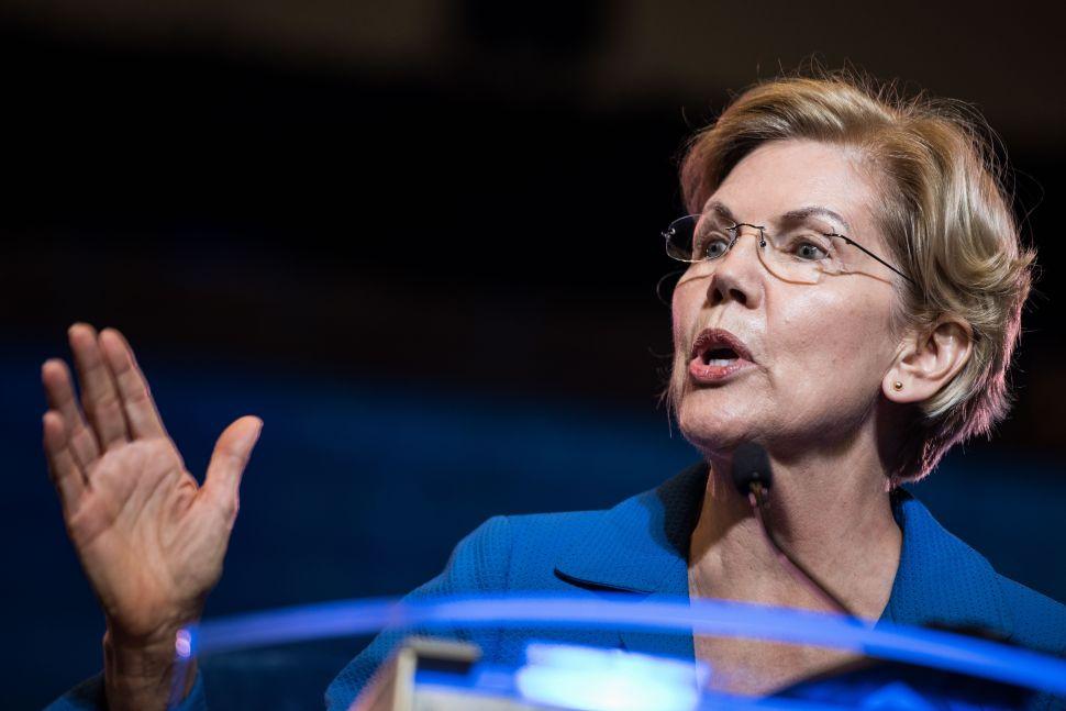 Elizabeth Warren Has a Plan to Upgrade Voting Machine Technology