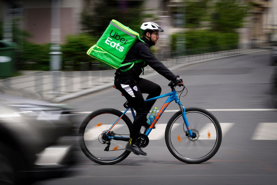Restaurants and Grocery Retailers Fight Back Against Delivery Apps