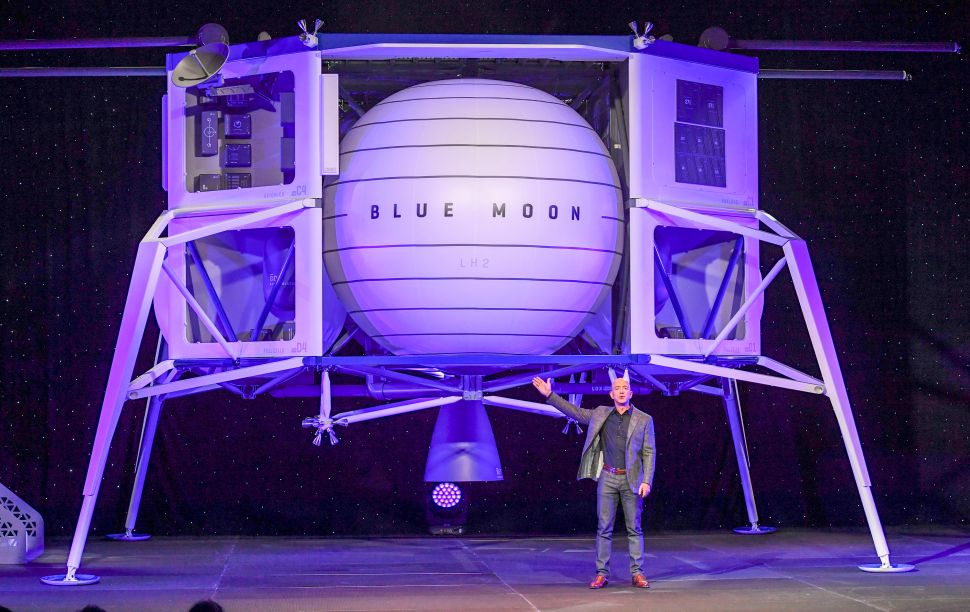 How Elon Musk and Jeff Bezos Will Help NASA Land Humans on the Moon in 5 Years