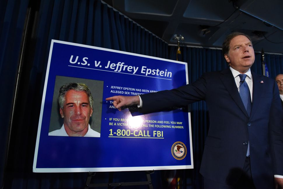Jeffrey Epstein's Former Mentor Says His Bill Clinton Relationship 'Destroyed' Him
