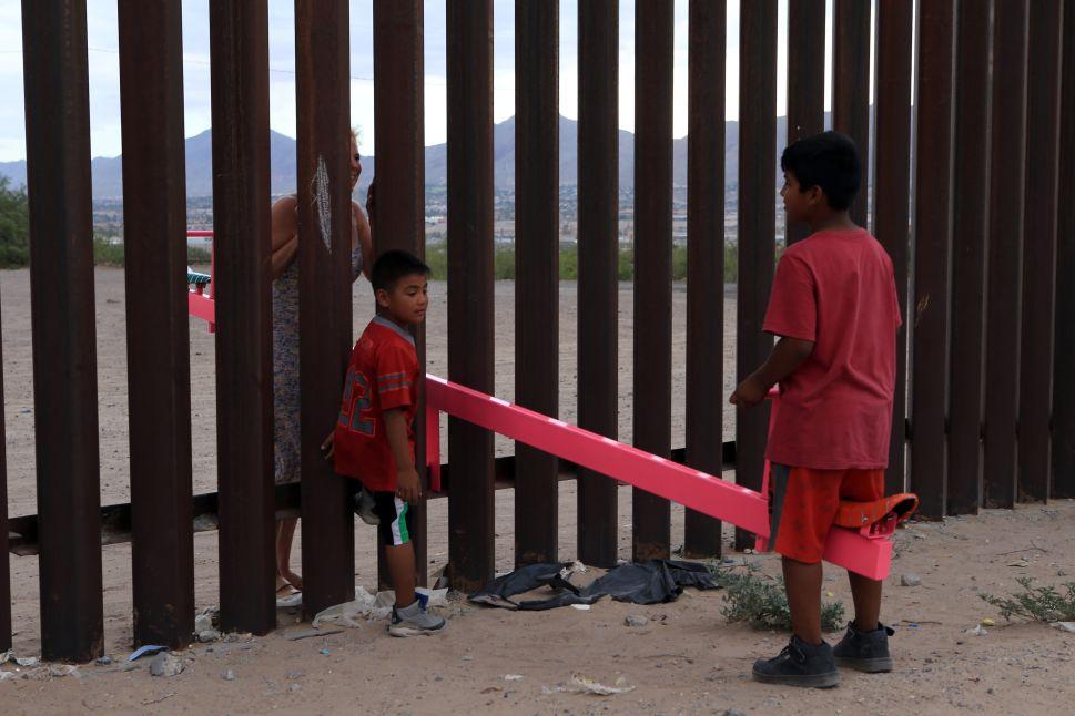 Art Installation of Seesaws at US-Mexico Border Brings Temporary Joy