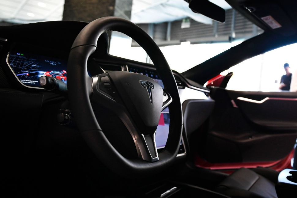 See How Tesla's Updated Autopilot System Emergency Brakes for Bikers