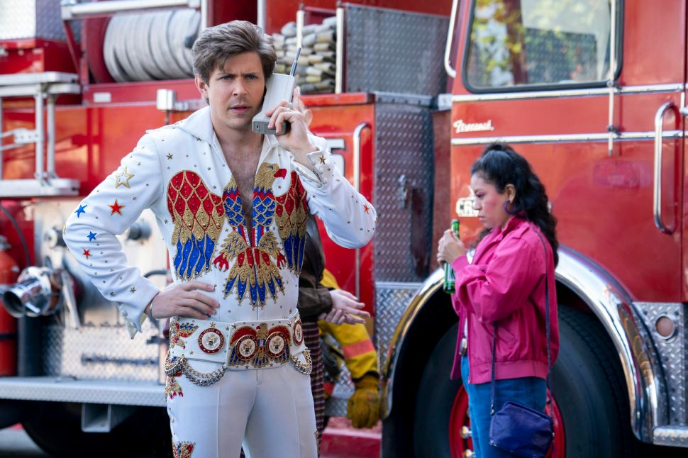 Chris Lowell on 'GLOW' Season 3 and the Real Wresting Host Who Inspired Bash