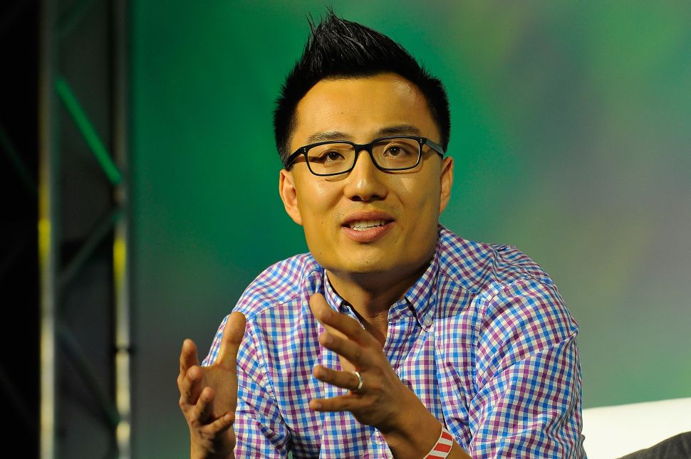 DoorDash CEO Tony Xu Unveils New Pay Policy After Tipping Scandal