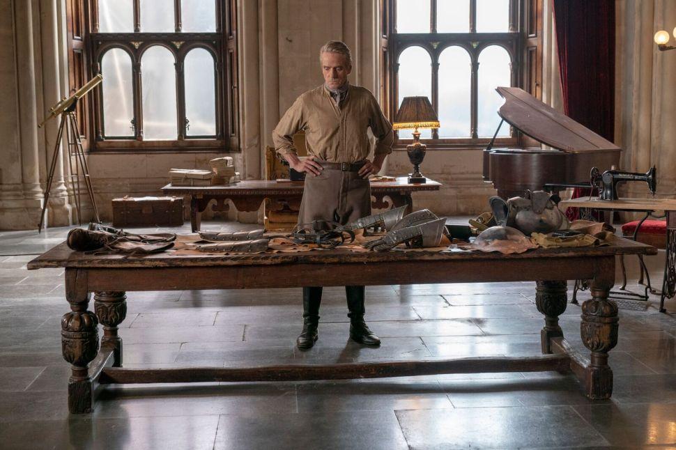 'Watchmen' Costume Designer Shares Details Behind the Big Reveal in Episode 3