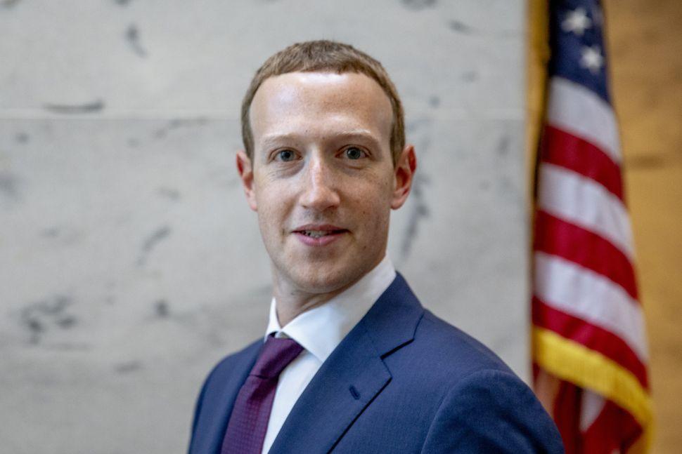 Mark Zuckerberg Threatens to Sue US Government If Elizabeth Warren Becomes President