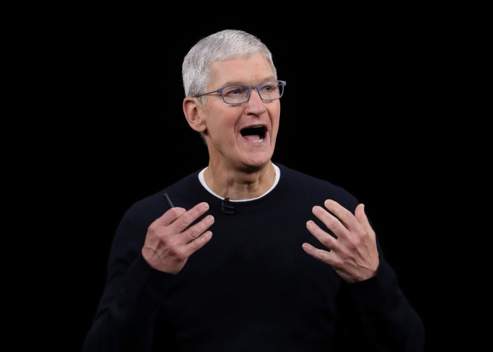 Apple CEO Tim Cook Gives Lame Explanation for Censoring Pro-Hong Kong Apps in China