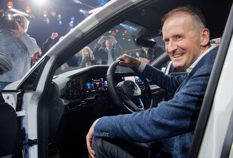 Elon Musk's EV Bestie, Volkswagen CEO Herbert Diess, Praises Tesla After Q3 Results