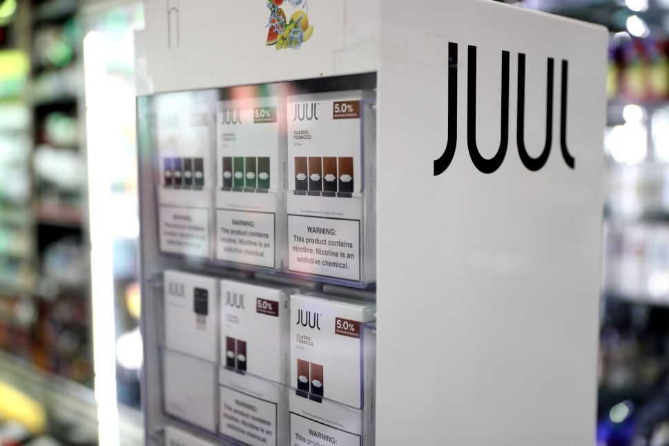 Juul Officially Stops Selling Flavored Pods Until the FDA Approves Them