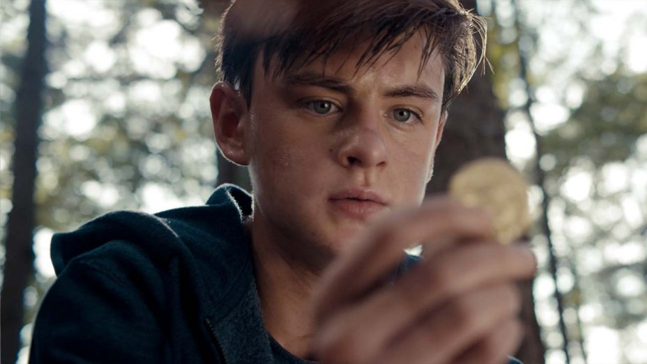 Boring Coming-of-Age Story 'Low Tide' Lacks Character Development and a Plot