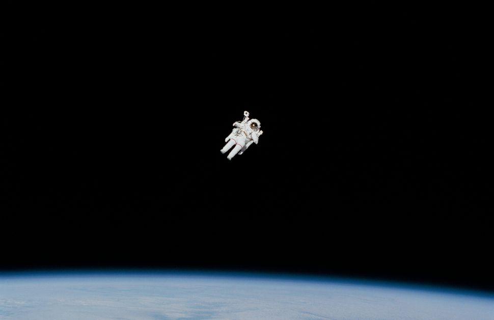 NASA Moon Landing Date in Flux Due to Spacesuit Delays, Blue Origin Lawsuit