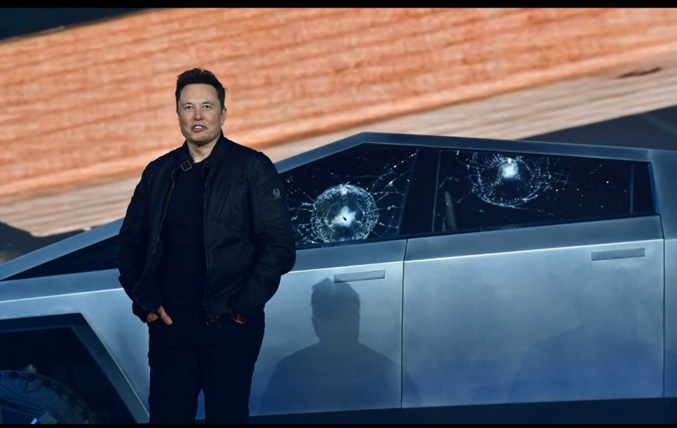 What Auto Experts, Tesla Fans Think About Cybertruck's Demo Incident