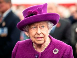 Queen Elizabeth sandringham delay