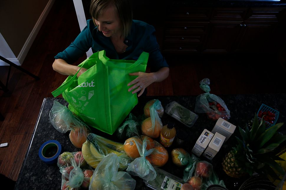 Instacart Workers Say Delivery Service Has Cut Yet Another Wage of Theirs