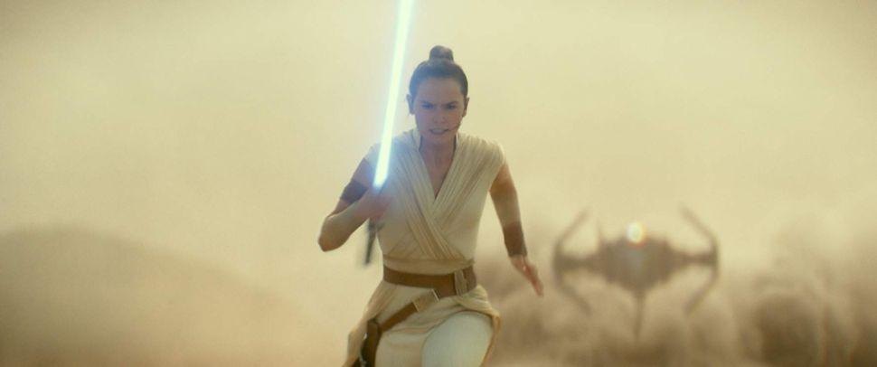 No, Disney Isn't Erasing the 'Star Wars' Sequel Trilogy