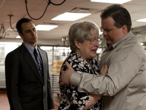 Sam Rockwell, Kathy Bates and Paul Walter Hauser in Richard Jewell.