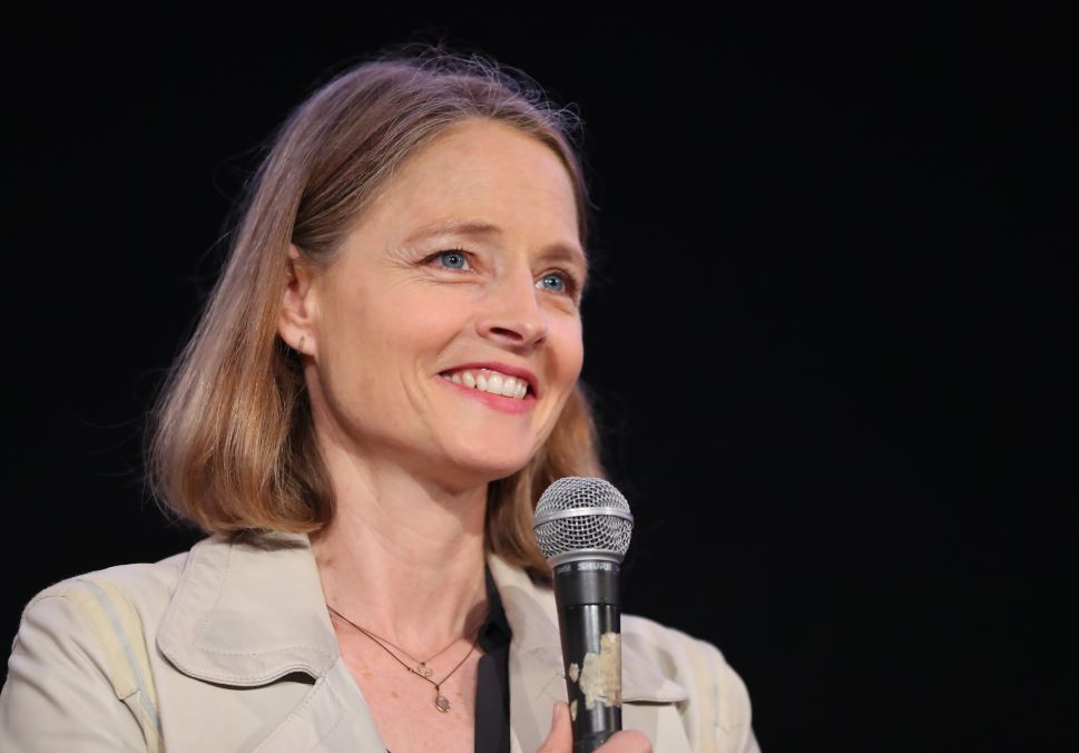 Jodie Foster Will Direct a Movie About the Famous 'Mona Lisa' Heist