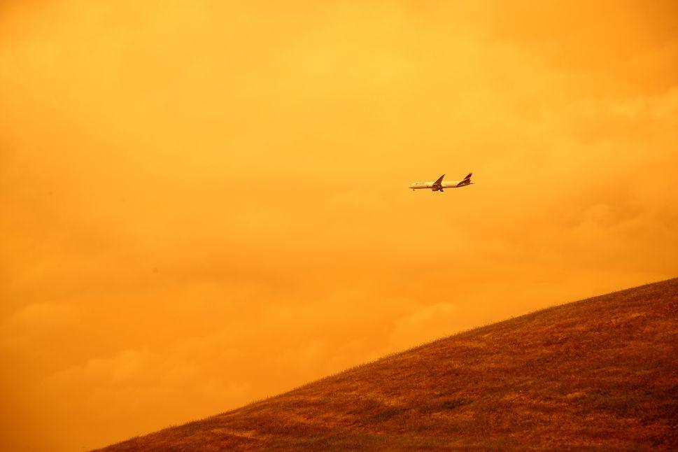 Aviation Industry Feels Heat to Reduce Carbon Footprint as Australian Bushfires Rage