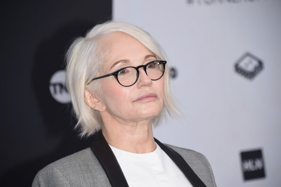 Actress Ellen Barkin Accuses Artist Carl Andre of Assault in a Series of Tweets