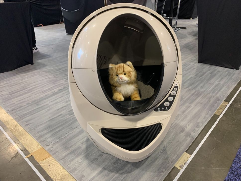 Pet Care at CES 2020: Robot Litter Box, Cat Facial Recognition and More