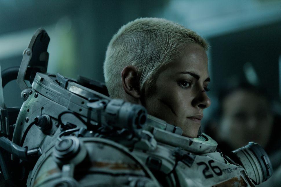 Kristen Stewart Is Wasted in the Trashy Sci-Fi Horror 'Underwater'