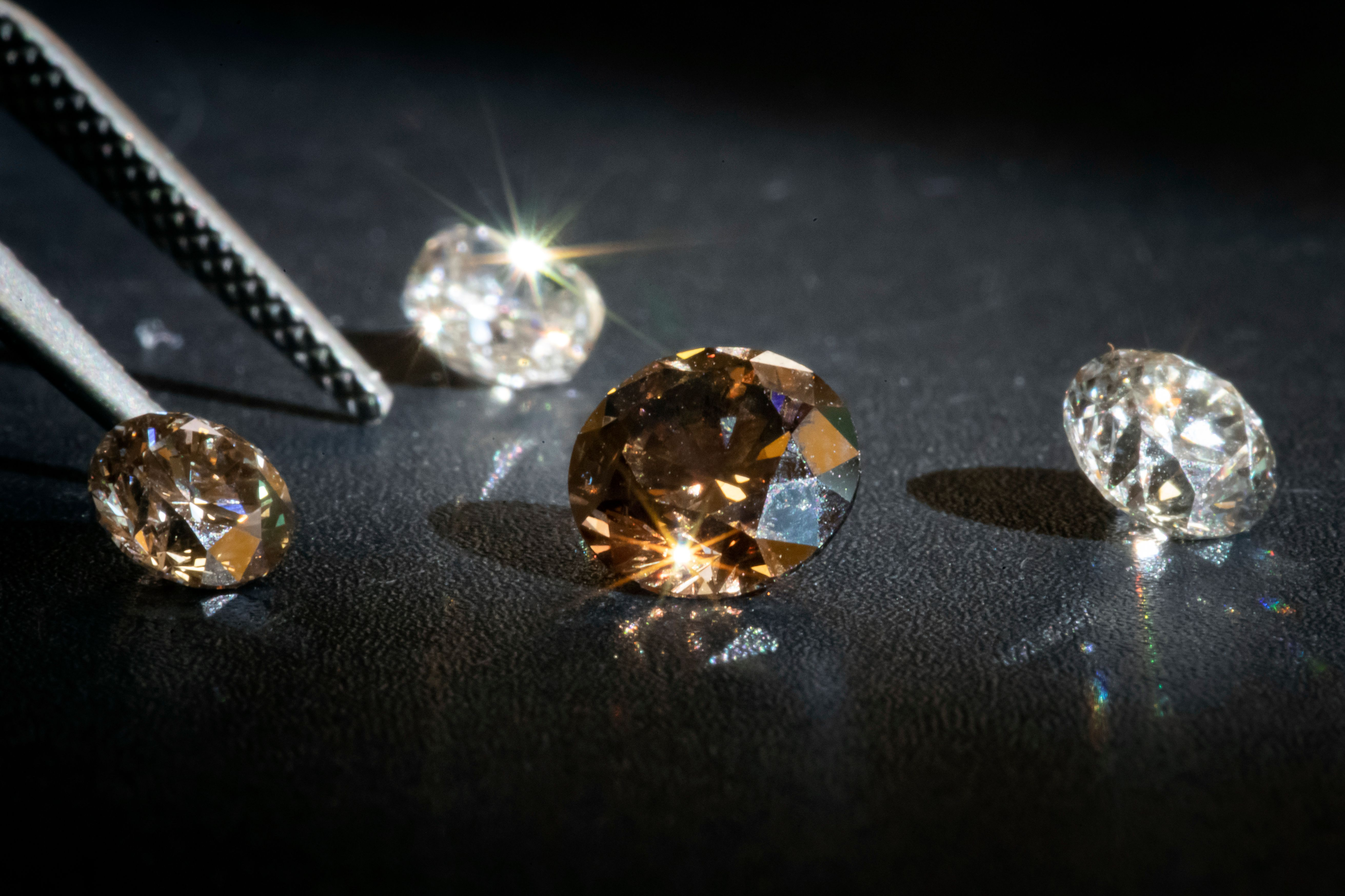 Lab-Grown Diamonds for Valentine's Day? The Complicated New Front of Luxury Jewelry