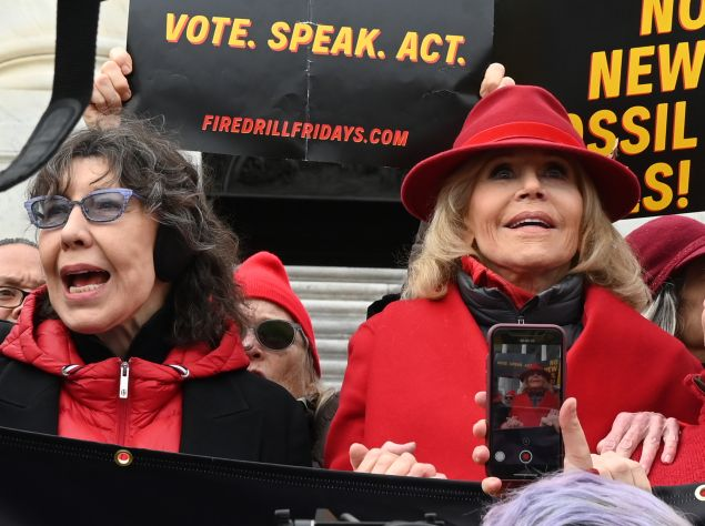 Lily Tomlin and Jane Fonda climate protest