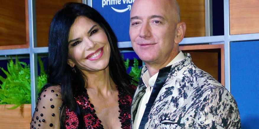 Jeff Bezos Sued By Girlfriend Sanchez S Brother Over Sext Scandal Observer