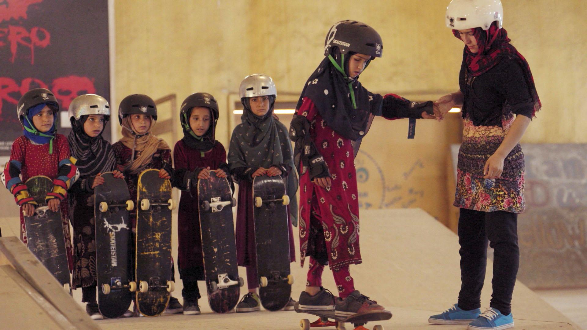 Resultado de imagem para Learning to Skateboard in a Warzone (If You're a Girl)