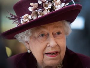 queen elizabeth moving to windsor castle coronavirus